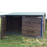 L19-veterinary-field-shelter-with-opening-panels