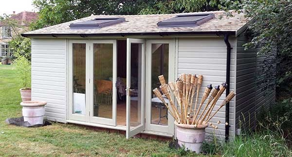 Garden office garden room richmond workshops richmond for Wooden studios for gardens